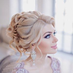 Бесплатная репетиция свадебного образа для невесты: прическа и макияж