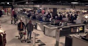 Эти люди просто пришли в супермаркет