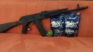 Так же у нас идут очень хорошие скидки на шары и гранаты. АК - 74 М от компании Cyma всего за 8250 рублей, г. Уфа. Большие скидки для вас.