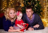 Друзья, кто желает новогоднюю фотосессию со скидкой - фотосфера Красноярска. Лучший день для скидок.
