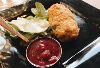 """Блюдо недели со скидкой 20% - """"Куриная Котлета в Хлопьях с Соусом Песто и Вареньем"""". Особенно если они на еду то это приятно и вкусно вдвойне, г. Тверь. Лучший день для скидок."""
