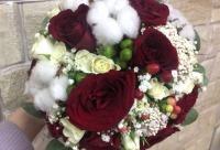 При заказе свадебного оформления скидка на свадебный букет 2 0% 3080, г. Белово.