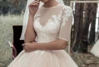 """Всем нашим невестам мы дарим скидку. Когда нежность проявляется в каждом мелиметре платья - салон женской одежды """"In Love"""", г. Новокузнецк. Скидки для интернета."""