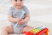 Со скидкой 25%. Восемь красочных клавиш обеспечивают полный набор музыкальных нот - Carters Mini, г. Москва.