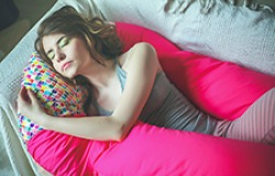 Скидка 30% весь апрель на подушки для беременных и кормяжих мам «ЛЯМУР»!