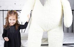 Огромный белый плюшевый мишка 180 см от магазина «Ваш Медведь». Отличный подарок на Новый год!