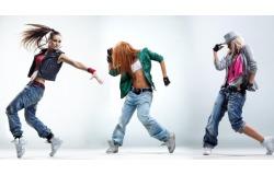Фигура мечты на раз, два! Йога, стрипплатика, Go-Go, аэробика в танцевально-спортивном клубе «Шаг навстречу» Скидка 66%
